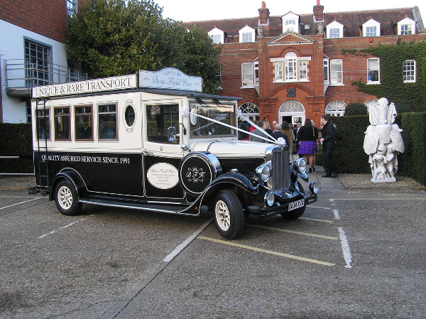 Asquith Mascot Vintage Bus